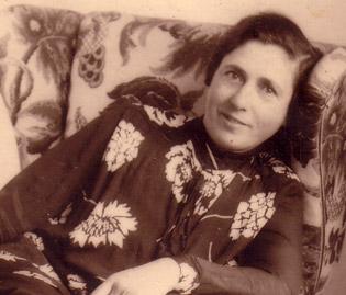 Albert's aunt, Judith Hoschander, 1920s.