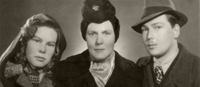 Elli with her mother and brother, one-and-a-half years after the war.